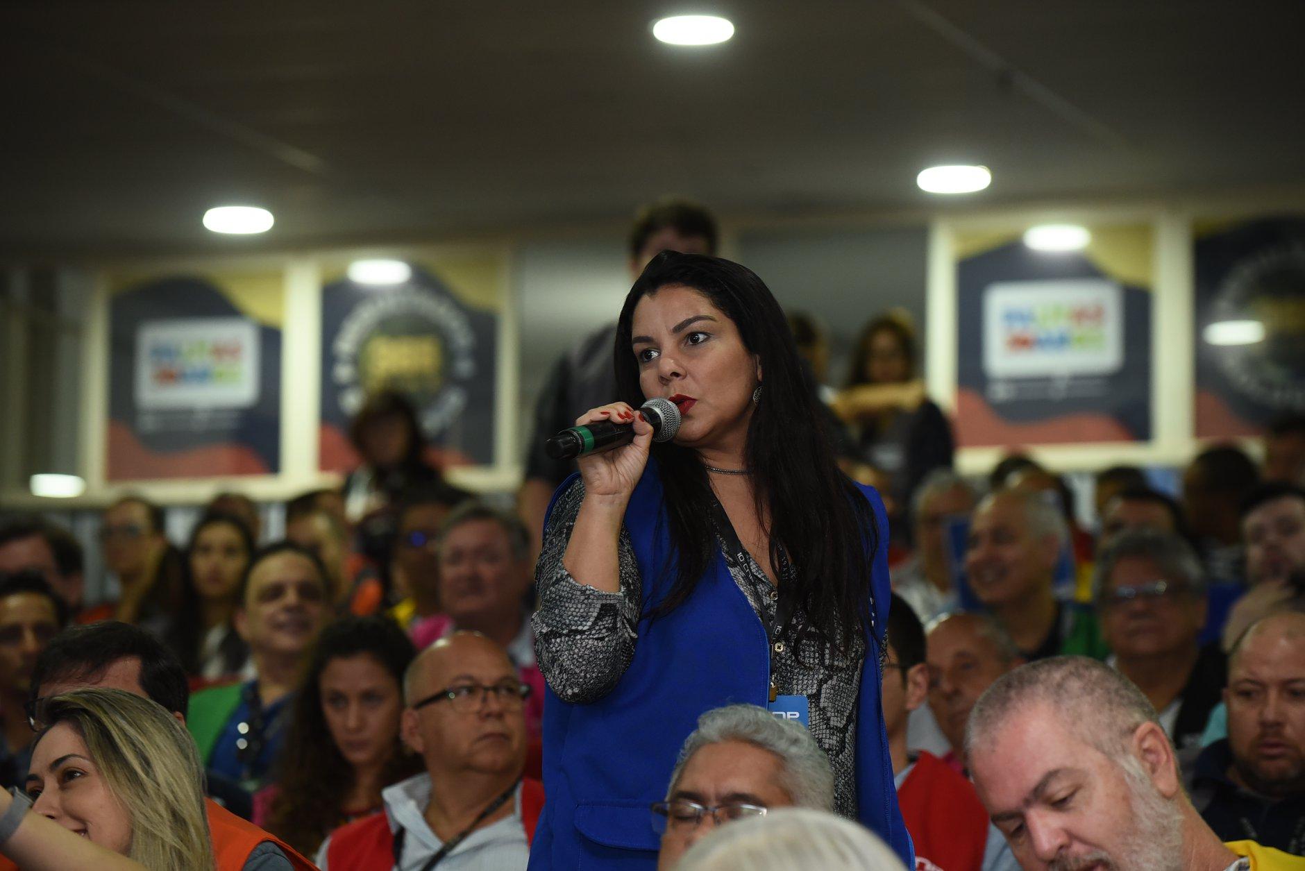 Karine Moreira lutando pelos Engenharia de Avaliação em evento, em Palmas/TO