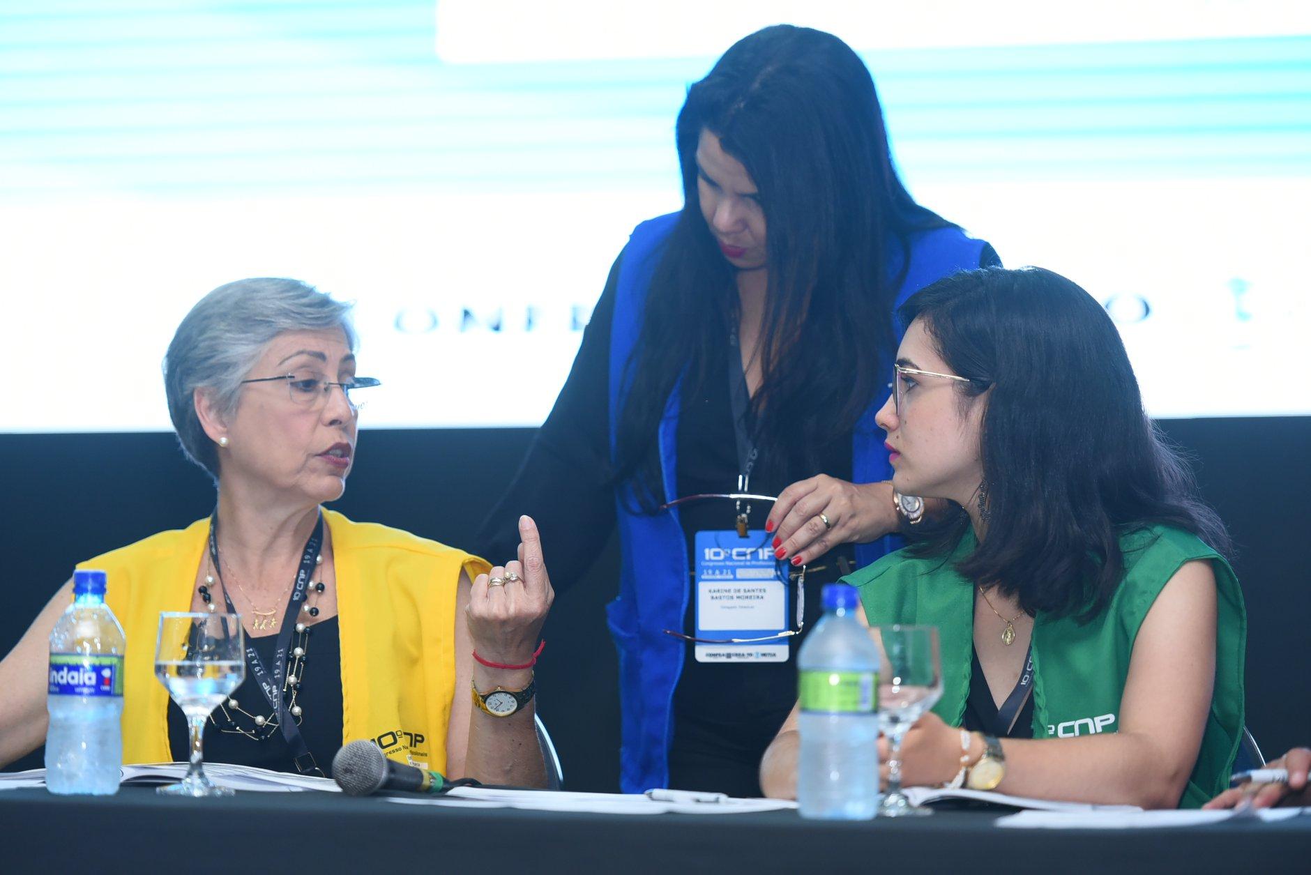 Presidente Karine Moreira compõe mesa no 10º CNP, em Palmas/TO