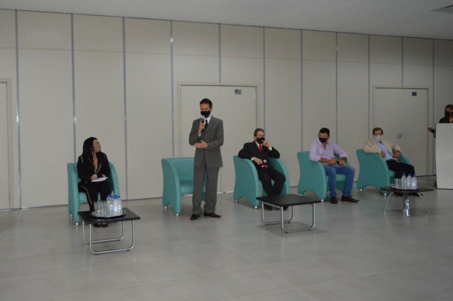 Karine Moreira participa de debate junto as demais entidades do setor de engenharia de avaliação